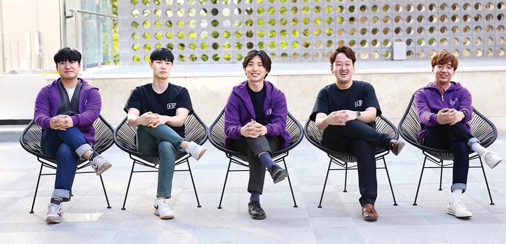 창업 멤버 5명. 왼쪽부터 이상혁, 최정호, 이정수, 안영학, 안재우