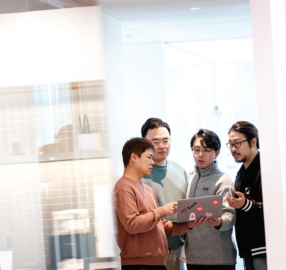 왼쪽부터 임상석 CTO, 박진호 한국지사장, 손주영 부사장, 이주환 대표