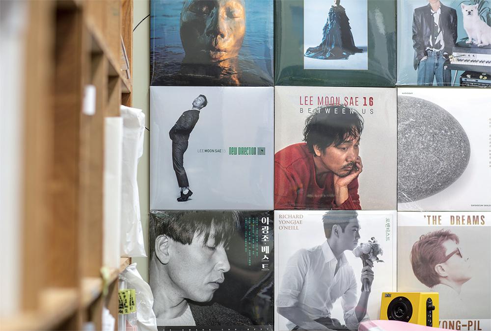 마장뮤직앤픽처스에서 제작한 LP들